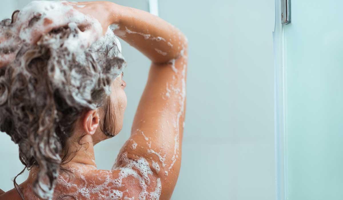 Te decimos como hacer shampoo y acondicionador caseros