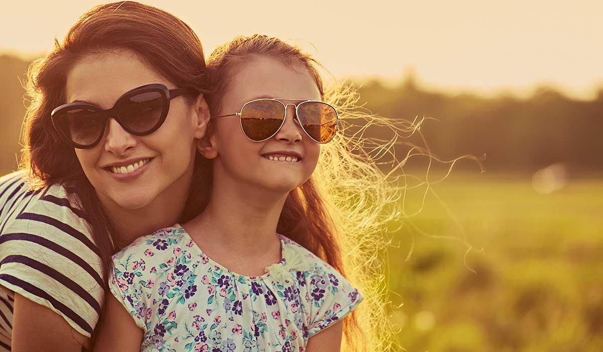 uso de anteojos de sol baratos