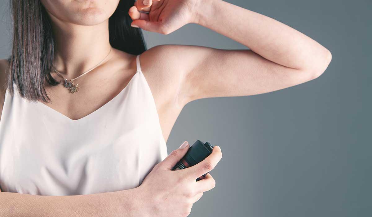 diferencia entre desodorante y antitranspirante