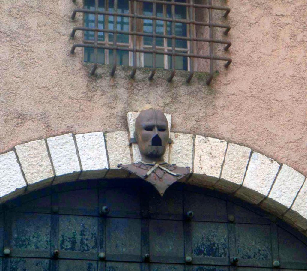 hombre-de-la-mascara-de-hierro