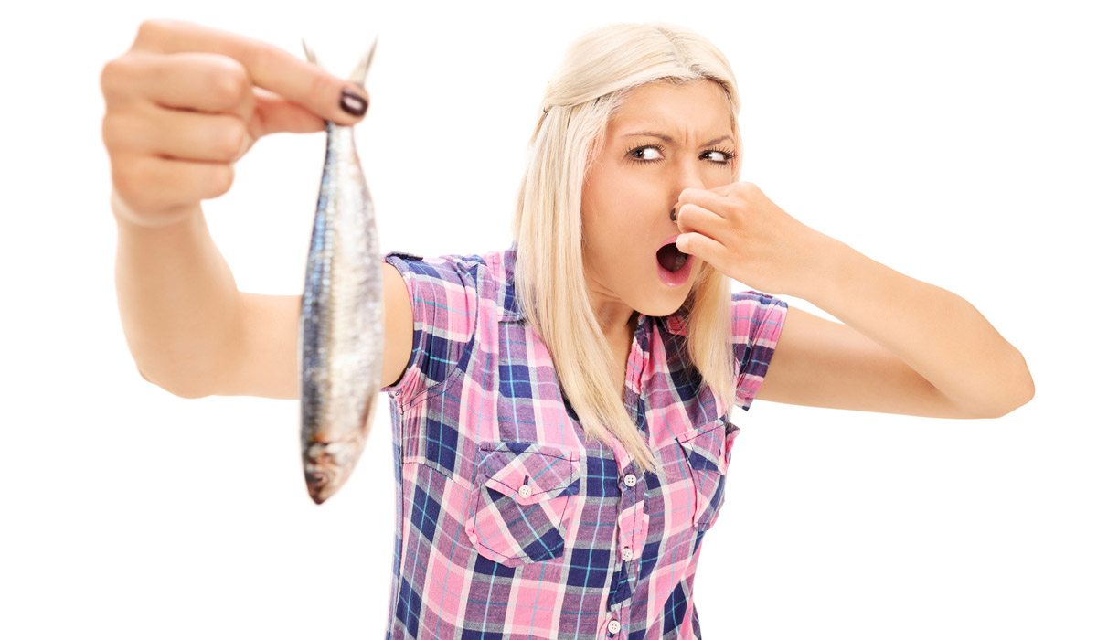 deshazte del olor a pescado
