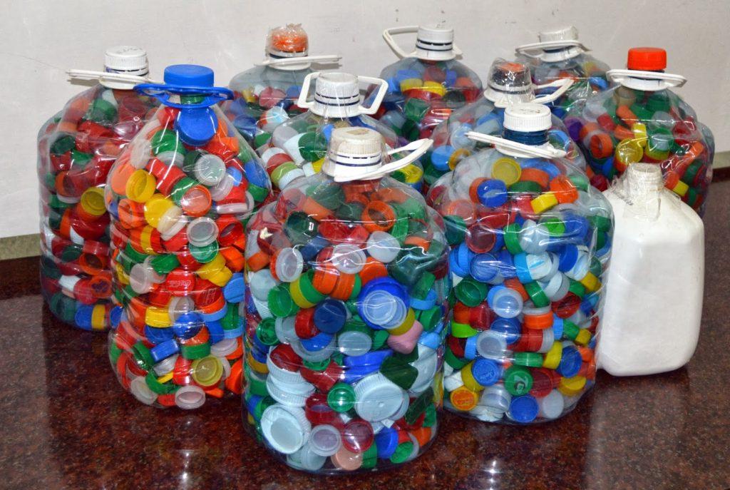 Ayuda reciclando