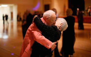 Baile para adultos mayores: rutina con beneficios