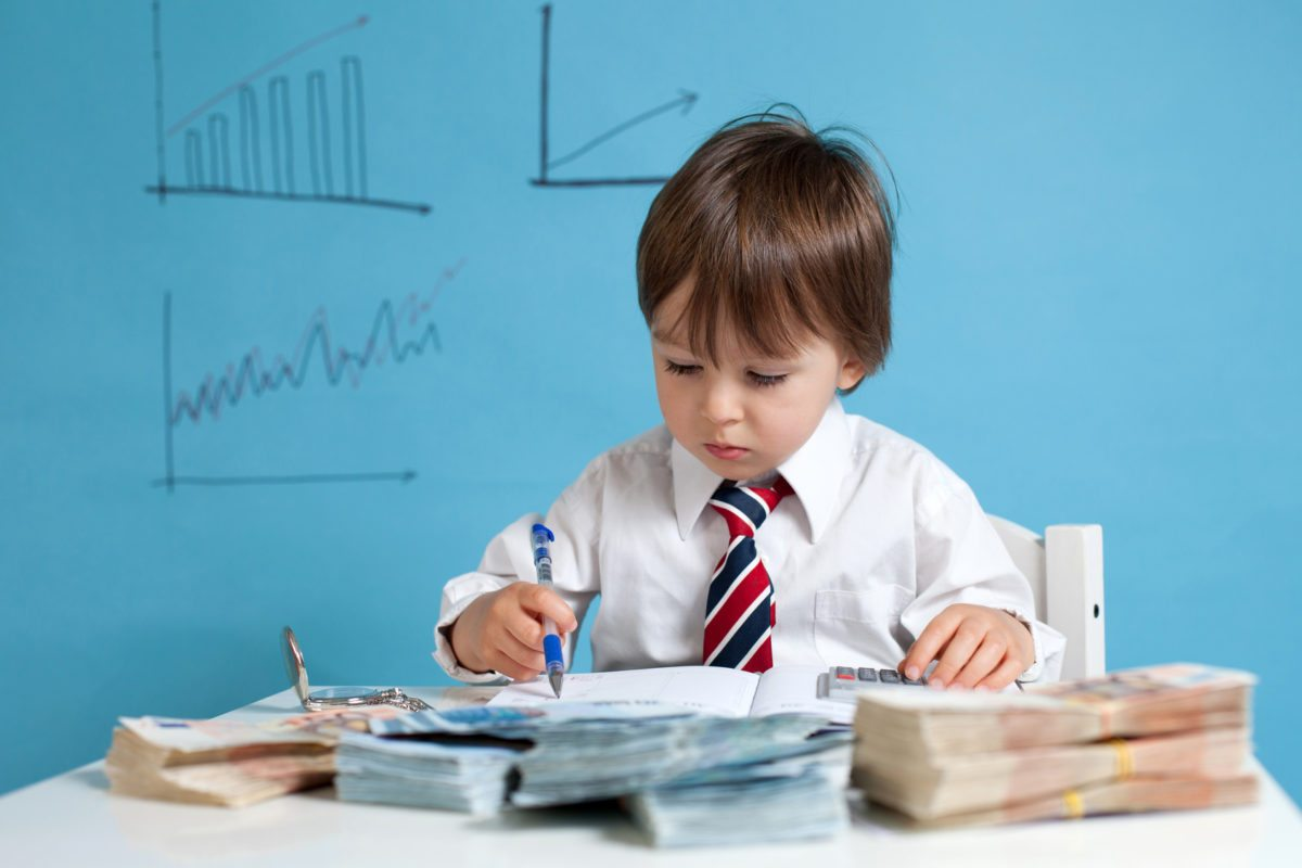 Pasos para enseñar finanzas personales a tus hijos