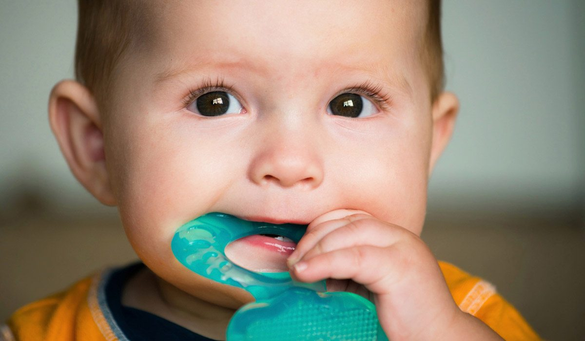 como quitar el dolor de encias en bebes