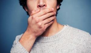 causas de resequedad en la boca