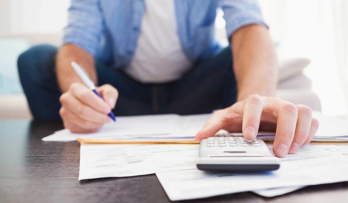 Papá, evitar caer en estos 5 errores en el manejo de tus finanzas