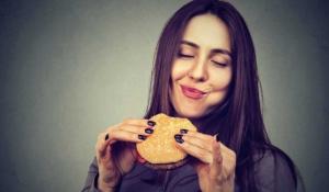 por qué te molesta cuando la gente hace ruidos al comer