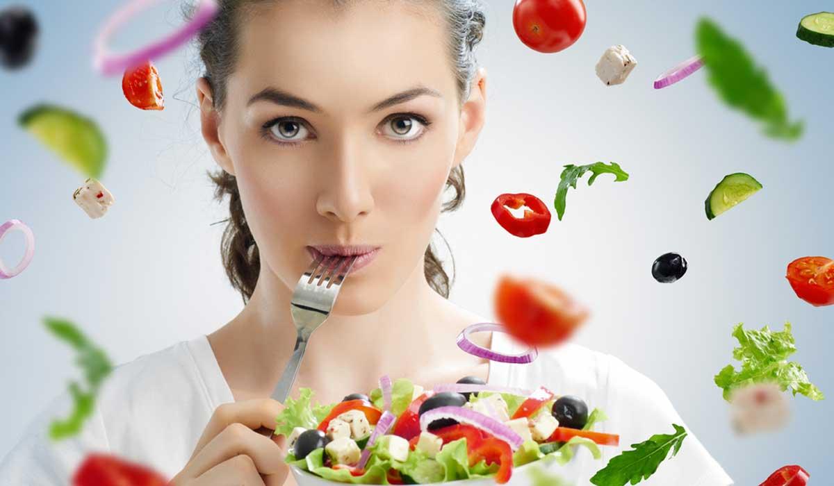 Estos son los 5 alimentos que debes comer diario por tu salud