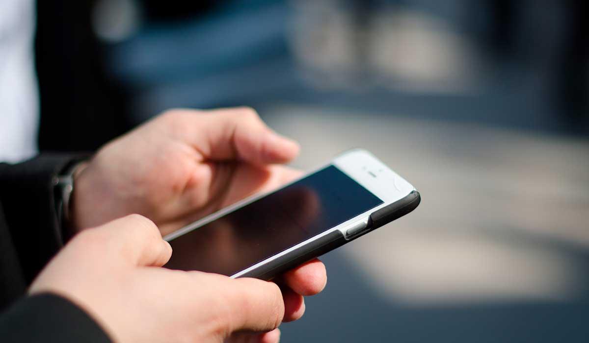 así te afecta el uso del celular