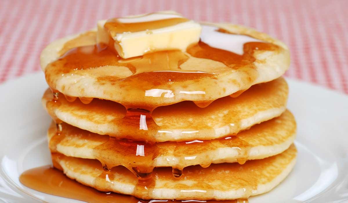 Deja de cometer errores y prepara unos hotcakes esponjosos