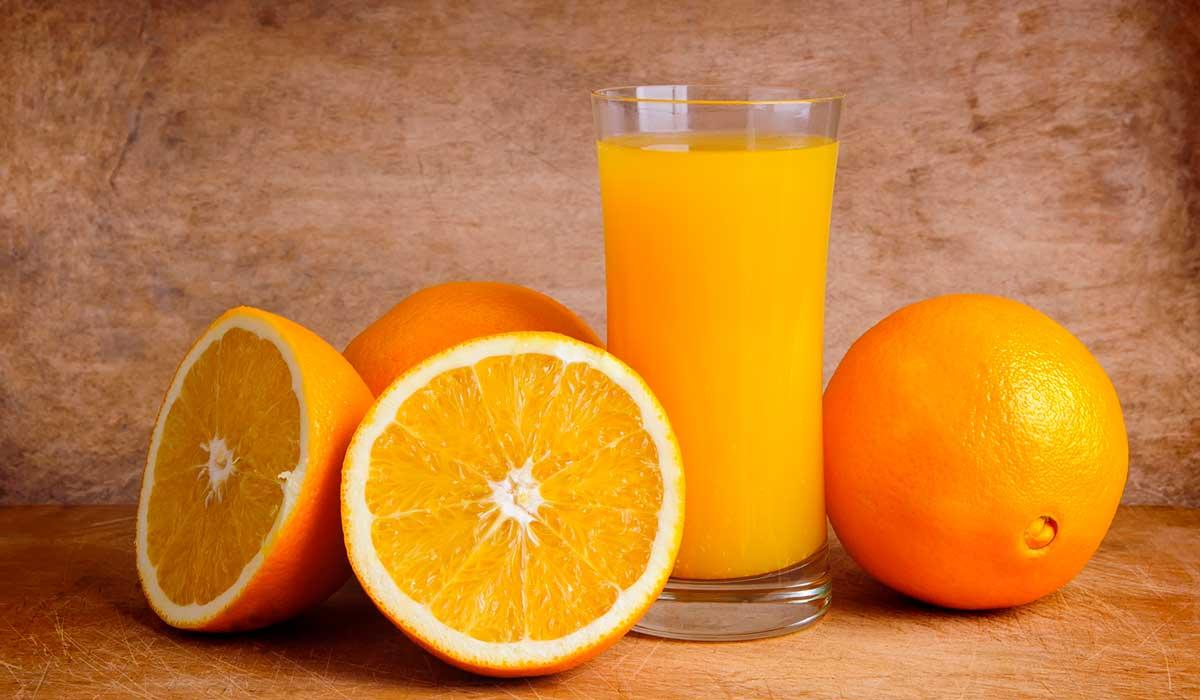 Por esto el jugo de naranja es malo