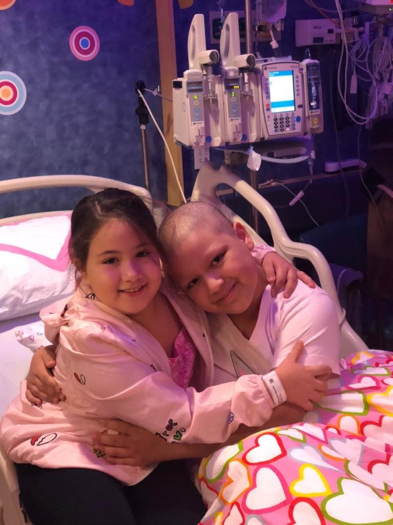 Cyara y Carmina tras el trasplante.