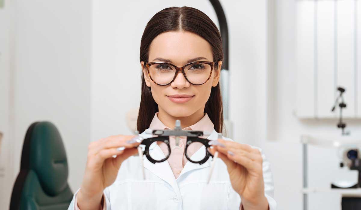 diferencia entre optometrista y oftalmólogo