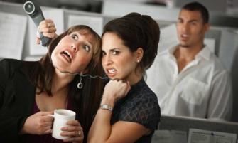 estres laboral por relaciones toxicas en el trabajo