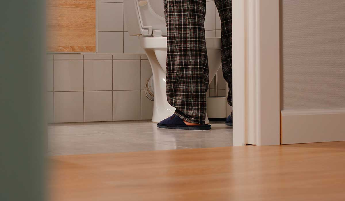 micción frecuente de la próstata agrandada por la noche