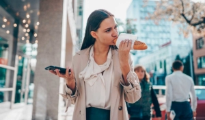 haz que tu cerebro funcione mejor con estos alimentos