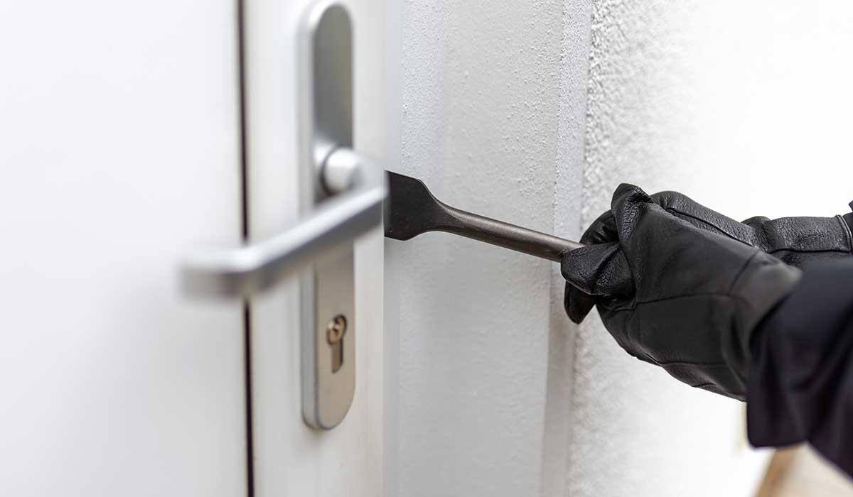 13 Señales de que tu casa esta siendo vigilada