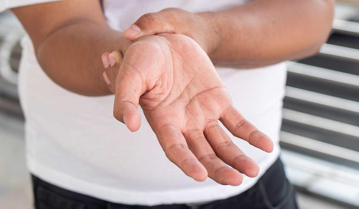 cuídate del síndrome del túnel carpiano