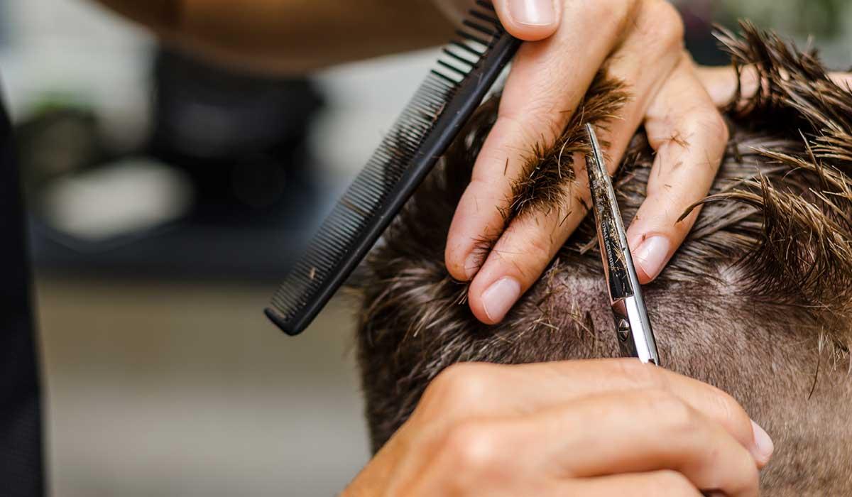 cortes de cabello como muestra de bondad