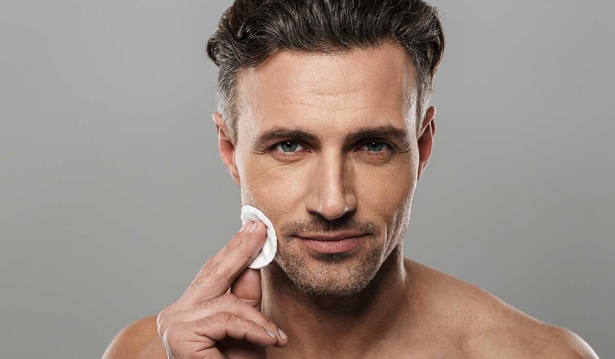 hombres se acercan a operaciones estéticas