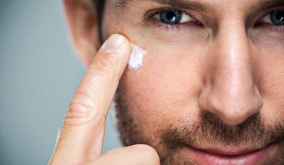 Conoce tres de las afecciones más comunes de la piel masculina