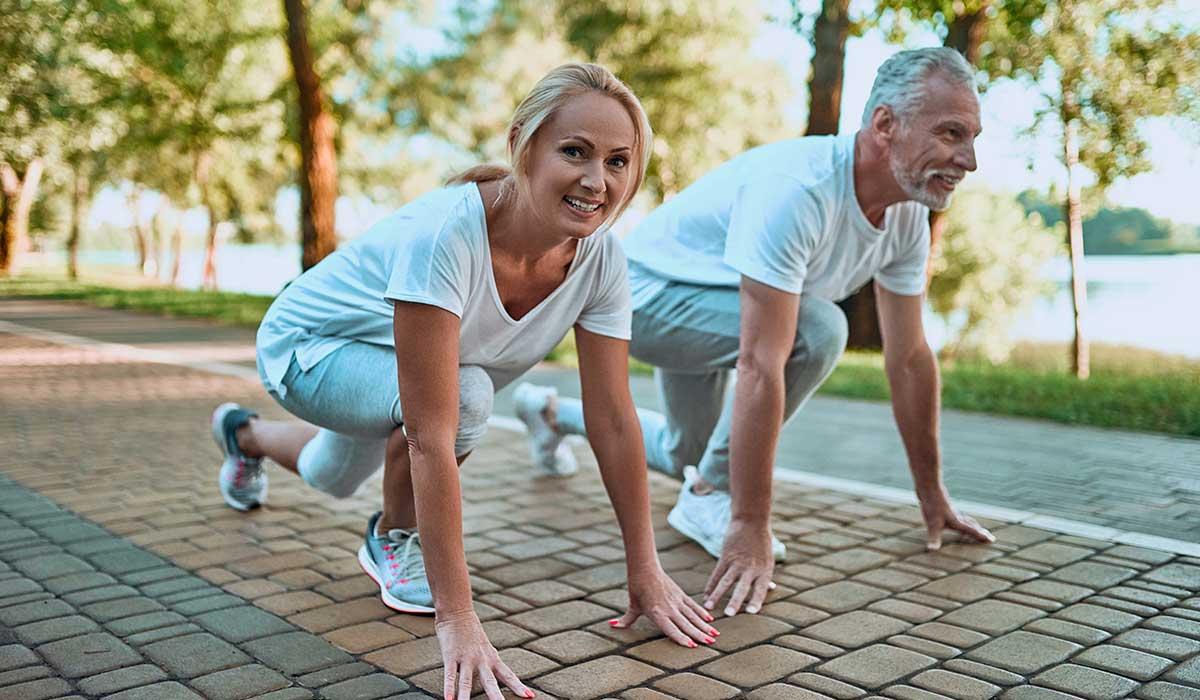 olvídate de los mitos por hacer ejercicio después de los 50