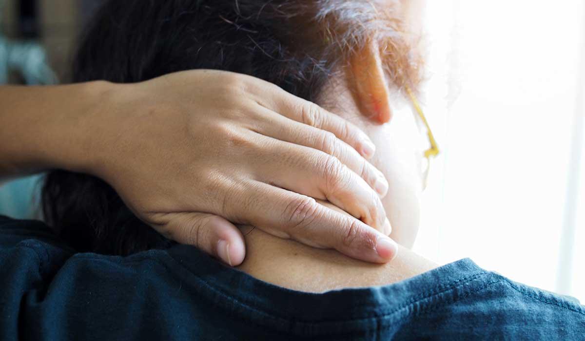 cuida tu cuello de estos síntomas que podrían ser de cáncer