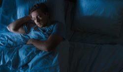 dormir poco puede deshidratar tu cuerpo