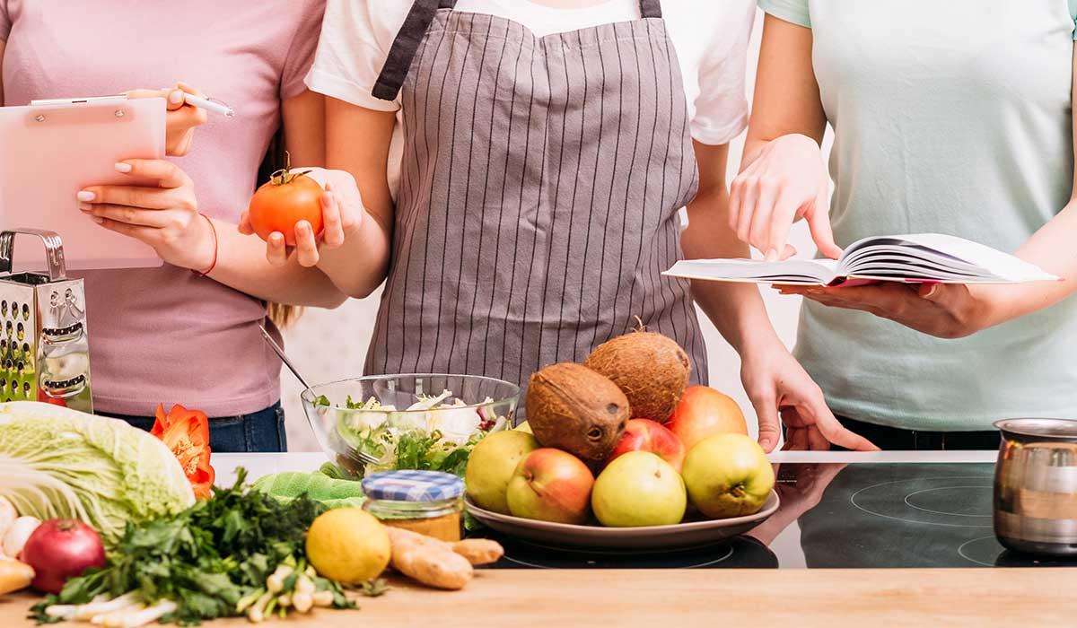 Estos son los alimentos más sanos para cada década de tu vida