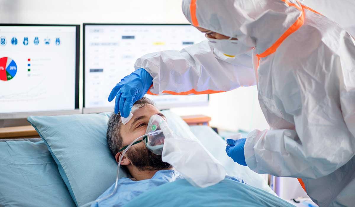 pacientes recuperados de Covid-19 son despedidos con música de Queen