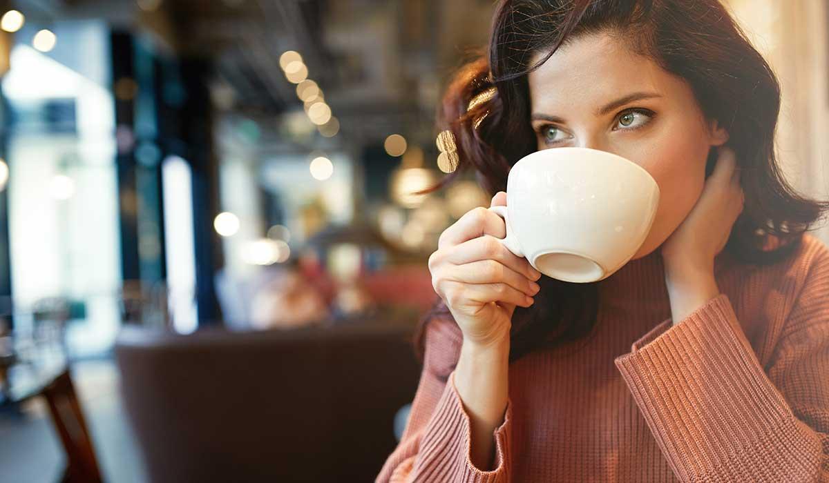 por qué podrías mezclar café con bicarbonato