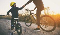 beneficios de la bicicleta en los hijos