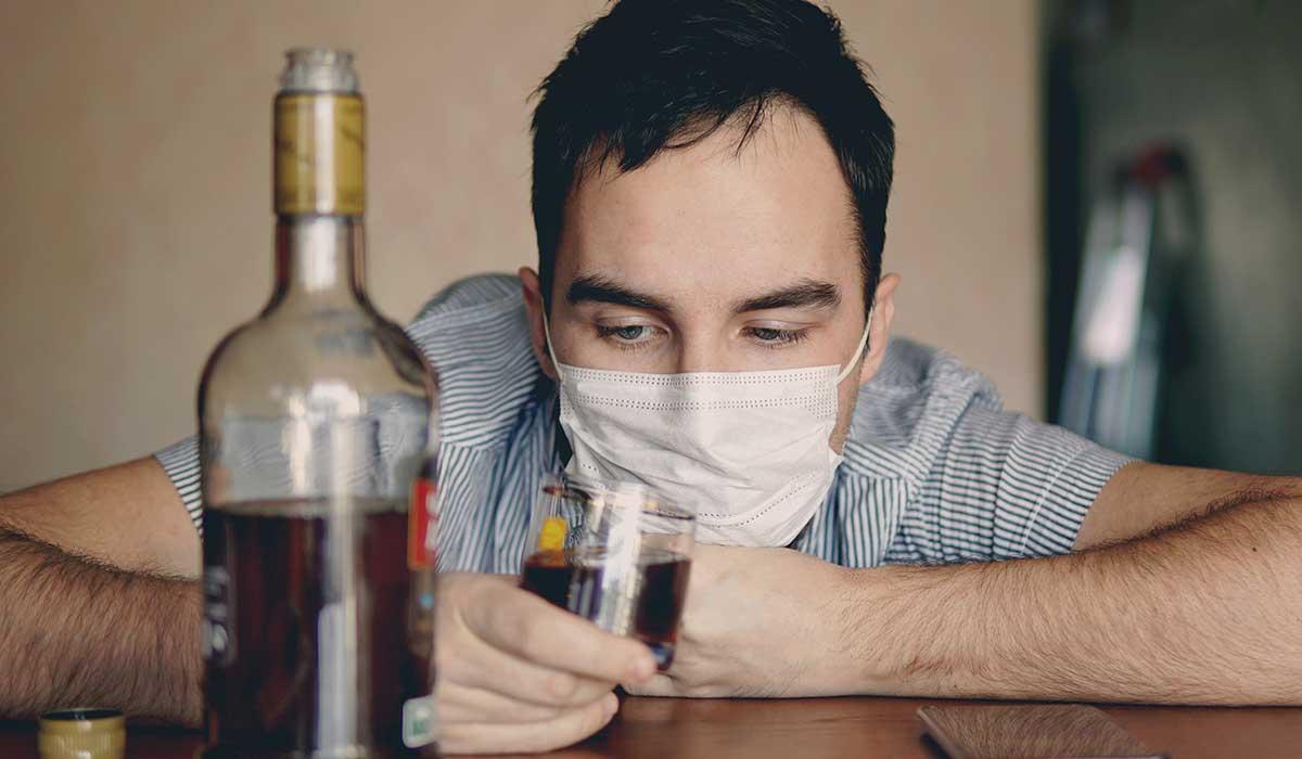 el consumo de alcohol aumenta con el confinamiento