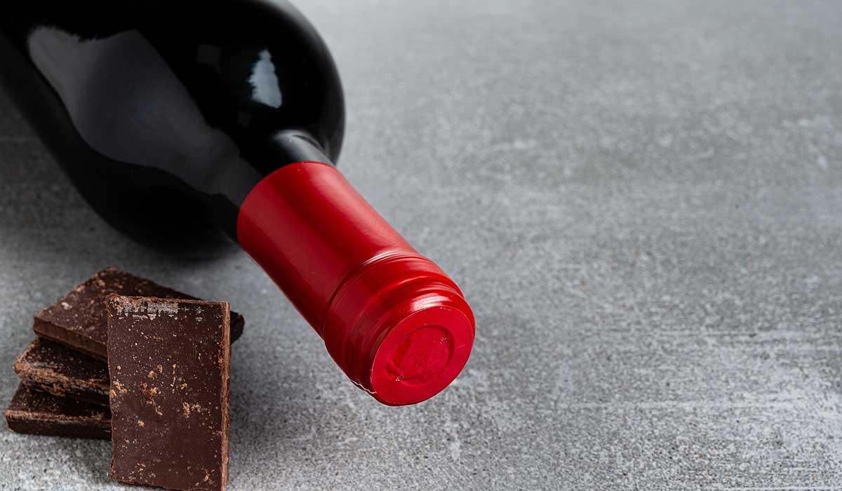 Disfruta el invierno con ¡chocolate caliente con vino!