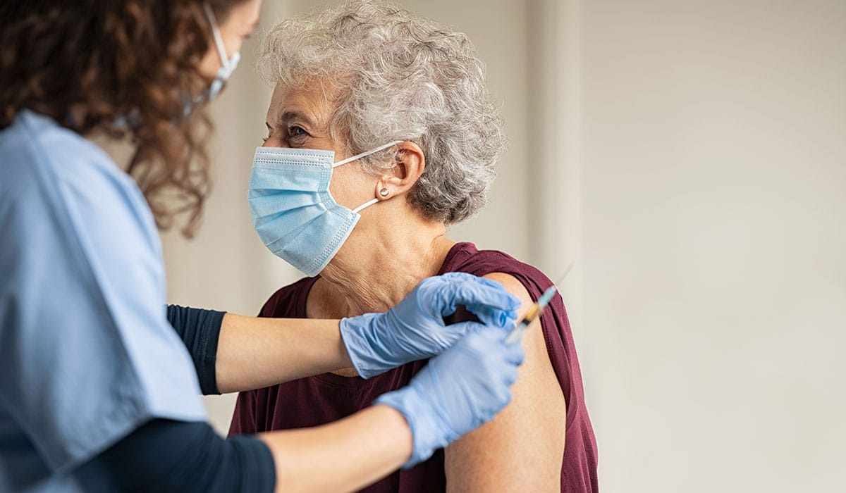 No dejes de hacer esto aunque te vacunes contra el Covid