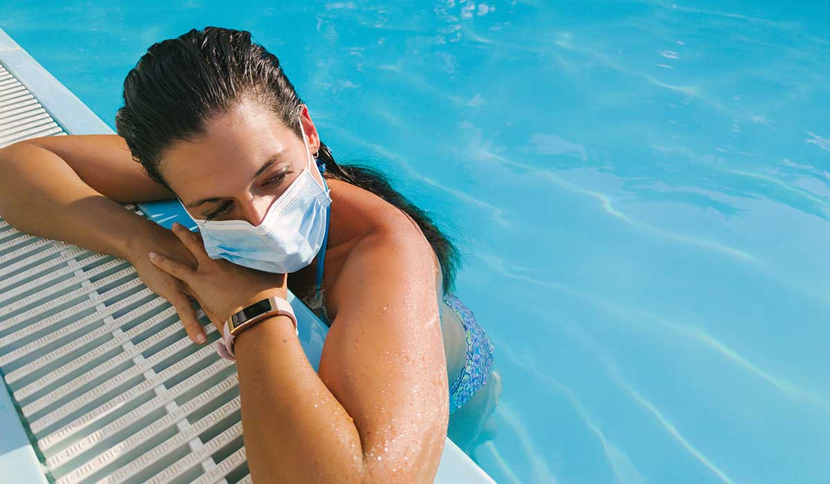 parece ser que no te contagiarias de coronavirus si nadas