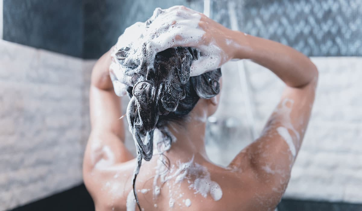 shampoo que hace mucha espuma puede ser por sulfatos