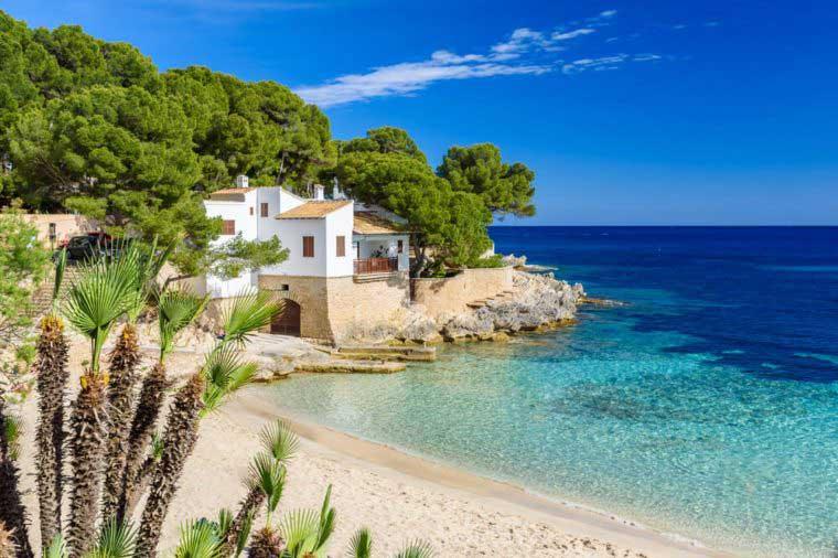 bella isla en el Mediterráneo