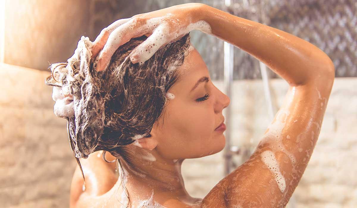 ¿Con qué frecuencia deberías lavarte el cabello?