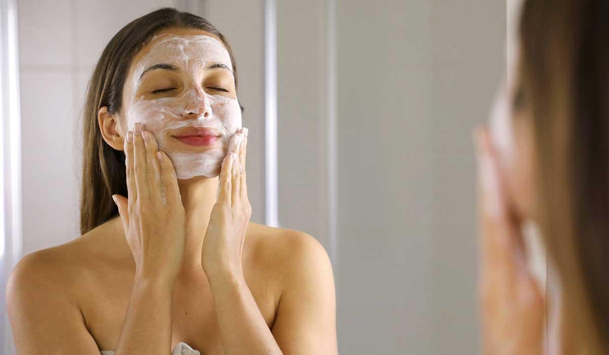 Hábitos matutinos para mantener tu piel en buen estado