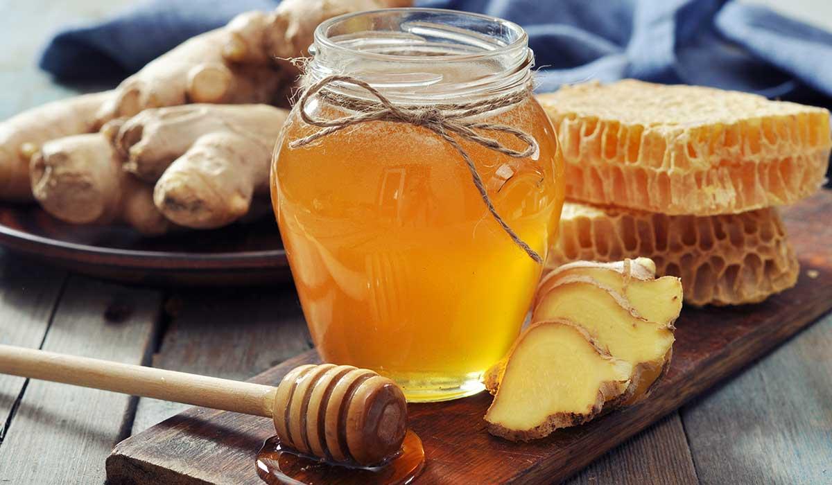 Adiós tos y resfriado con estos ricos shots con miel