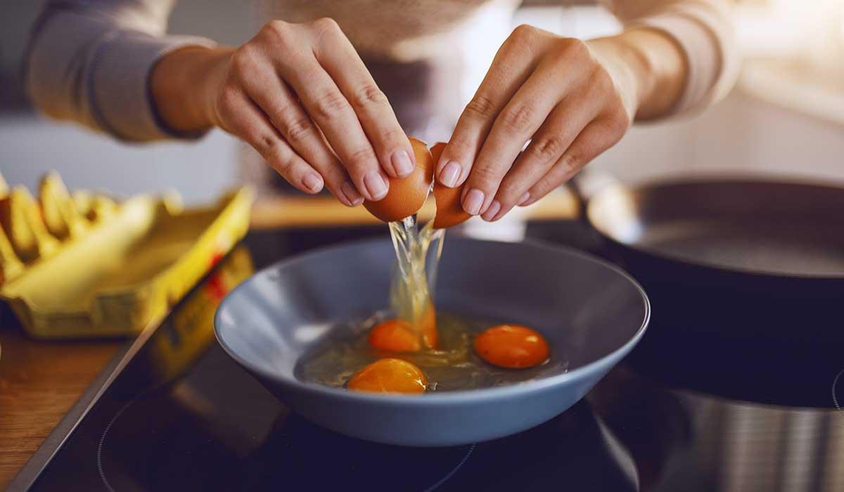 prepara diferentes recetas con huevos