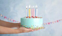 este es el origen del pastel de cumpleaños