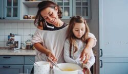 las mujeres que son mamás a mayor edad tienen mayores beneficios