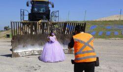 quinceañera se toma fotos en donde trabaja su papá