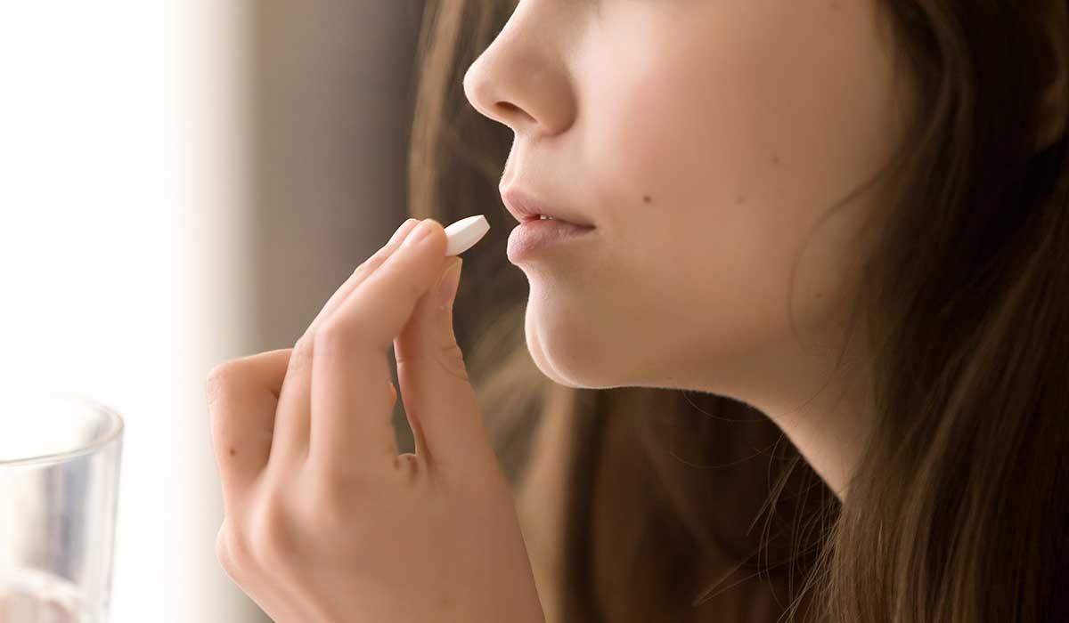 tomar una pastilla sin agua puede ser muy peligroso