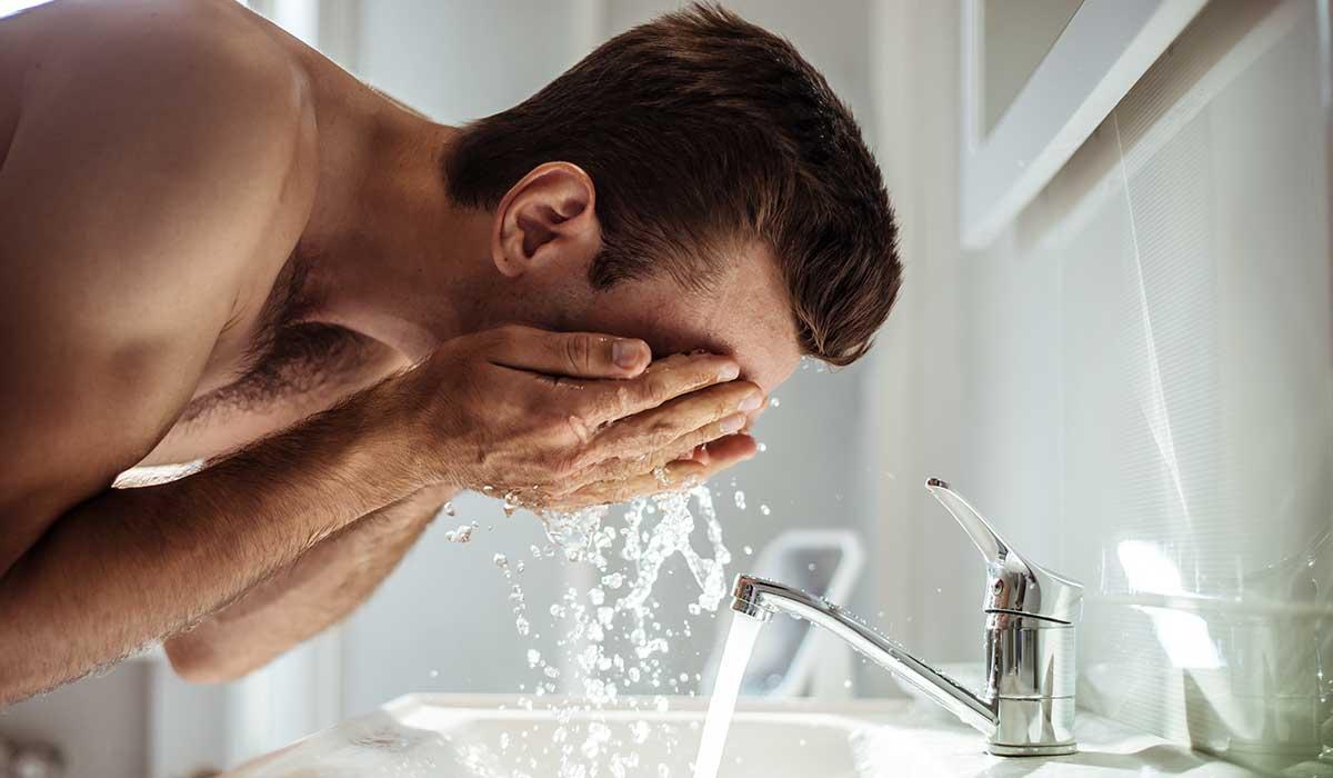 13 maneras en las que te lavas incorrectamente la cara