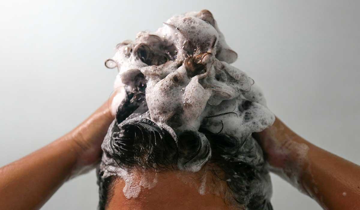 lava tu cabello adecuadamente