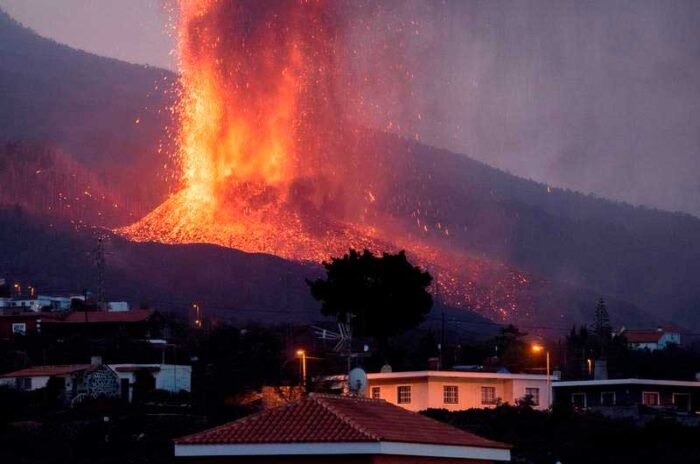 peligro si la lava llega al mar
